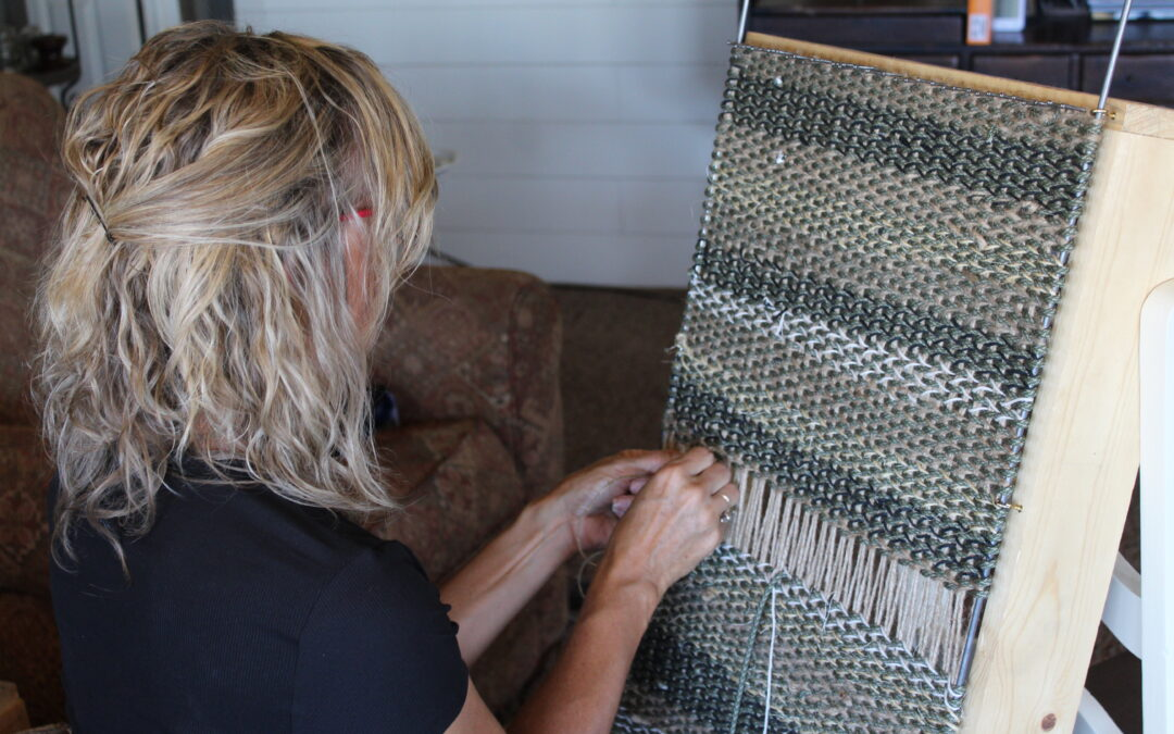 Weave a Rug with Twine and Paracord! SUPER COOL Weaving Project