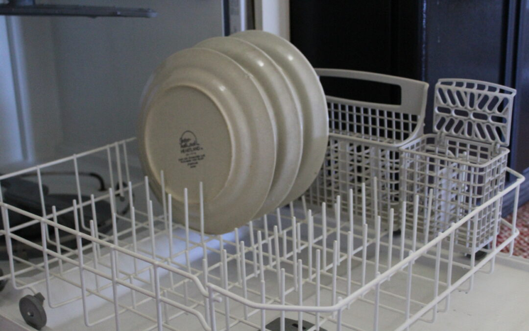 How to Fix My Dishwasher – Is Your Dishwasher Not Cleaning Dishes?