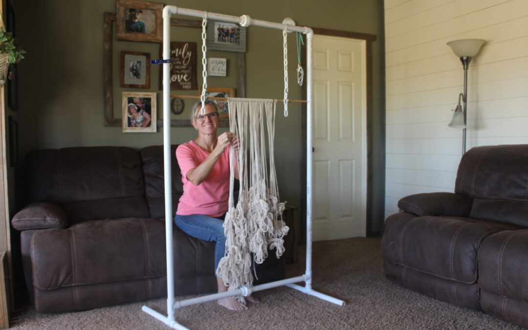 Build a Macrame Work Stand!