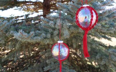 Quick Christmas Craft: Macrame Ornament