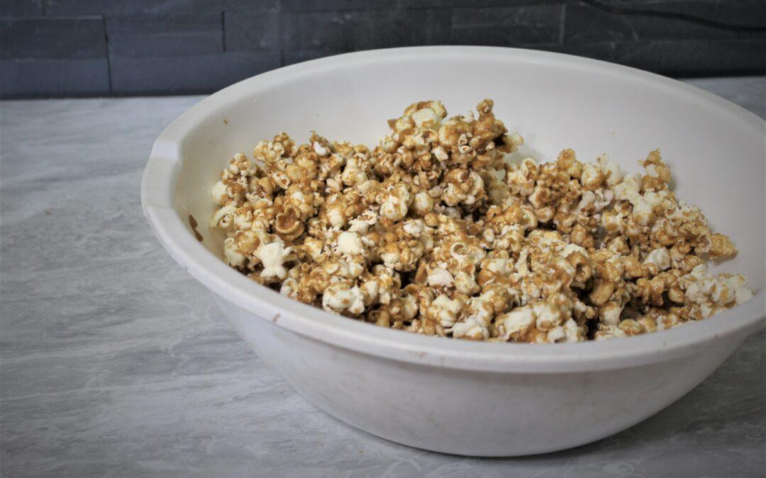 Homemade Carmel Popcorn: 10 Minute Snack Recipe