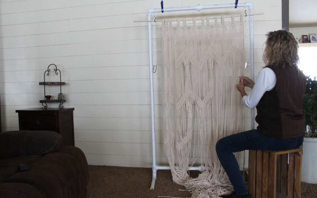 Macrame a Large Curtain – Great Closet Curtain Idea!